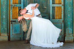 crystal barn country estate, midlands, nottingham road, wedding, sean baker photography, wedding day, newlyweds, creative wedding photos, bride and groom kissing